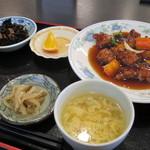 24209014 - 酢豚定食