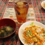 ディービーズ キッチン - ランチセットのサラダ、スープ、ドリンク