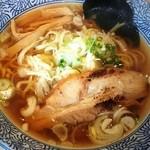 燦虎 - 芳醇煮干そば(醤油)750円