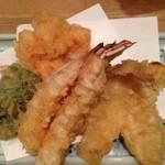 天ぷら新宿つな八 - 海老、きす、ピーマン、南瓜、かき揚げ
