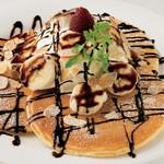 珈琲舎 - パンケーキ バナナ&チョコレートソース