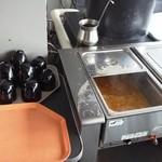 タベルナリモコンテ - 料理写真:味噌汁は、セルフサービスで。