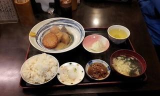 丸 - おでん定食