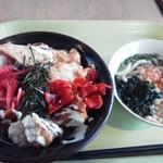 源's Cafe - 料理写真:唐揚げ丼?、小うどん 490円。