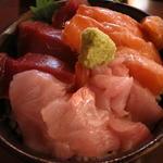 新・函館市場 - おまかせ丼
