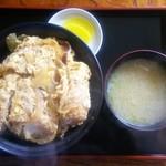 24221162 - カツ丼850円(2013年)