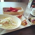 パルティーレ - 本日のパスタプレート ♥白菜と豚肉のクリームソース