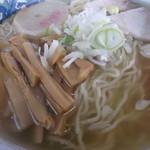 清洋軒 - 塩らーめん 今回のスープは濁りと雑味あり