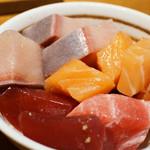 ぼんてん漁港 - ランチの海鮮丼