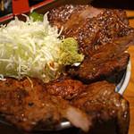 ぼんてん漁港 - 炭火焼豚丼(甘辛醤油ダレ)