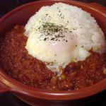 アンプティプーレ - 豆と挽肉のキーマカレー500円+おんたまトッピング100円