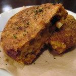 アンプティプーレ - カレーとチーズのライスコロッケ350円