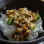 ありんこ - 納豆をご飯にオン