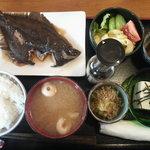 2423985 - 真ガレイ定食700円