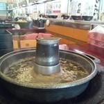 まんぷく太郎 - しゃぶしゃぶや焼肉と回転寿司を同時に楽しめます。