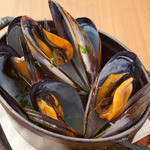 ペスカーラ - どっさりムール貝のワイン蒸し たくさんムール貝。贅沢な一品です!