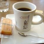 司馬遼太郎記念館 カフェコーナー - フィナンシェ&ホットコーヒー 600円