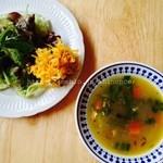 jicca - ランチのサラダとスープ