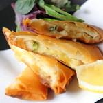 JAPANESE  DINING 無花果 - 海老のチーズ春巻 600円(税抜)
