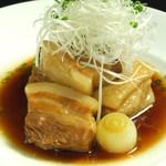JAPANESE  DINING 無花果 - もち豚の角煮 700円(税抜)、塩味もあっさりでおすすめ。