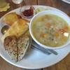 カフェむぎわらい - 料理写真:パンの盛り合わせとスープ