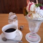 ナノカフェ - 料理写真:フルーツパフェ 570円、アメリカーノ(ホット) 380円