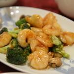 中国四川料理 桃花源 - 小海老とブロッコリーのカキソース炒め
