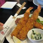 和 dining 清乃 - 比較するものが無かったので・・・とりあえず箸と比較w大きさつたわるかなぁ・・・