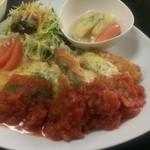 カフェディッシュらふ - 国産鶏モモ肉のチキンカツ チーズ&トマトソース