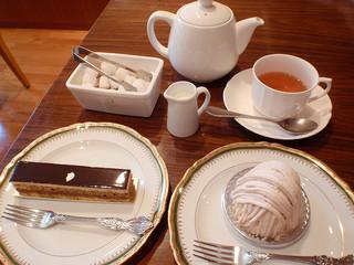 むすびcafé - 店内で モンブランとオペラ(450円)