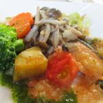 24257052 - 秋鮭のポアレ トマト風味のバジルソース