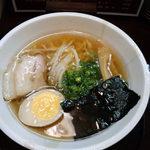 らーめん 極味 - 極味中華そば(こだわりの出汁・ストレートめん)