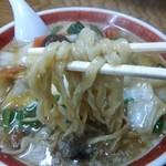 福来亭 - 五目うま煮ラーメンの麺