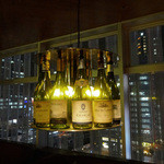 ITALIAN RESTAURANT & BAR GOHAN - お洒落なワイン・ボトルの照明