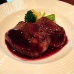 ビストロ クレール - 牛タン ポルト酒のソース