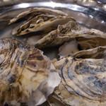 フラミンゴ - 厚岸産 牡蠣の白ワイン蒸し