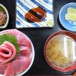 マリンハウスくどう - まぐろ丼¥2,000