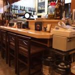 宮崎地頭鶏料理と肴の店 ゆたか - カウンター、テーブル、小上がりアリ