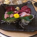 宮崎地頭鶏料理と肴の店 ゆたか - 地鶏刺身盛り合わせ
