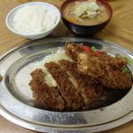トキワ - チーズメンチ&イカフライとご飯とトン汁(2014.1)
