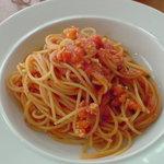 バール・ラ・テラッツァ・サバティーニ - エビのトマトソースパスタ