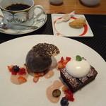 24271804 - 【デセール】ガトーショコラと黒ごまのアイスクリーム