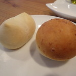 24272254 - 【パン】玄米のパン(右)とはちみつとミルクのパン(左)
