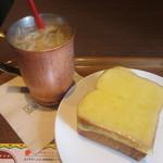 上島珈琲店 - 厚切りチーズトースト、無糖アイスミルクコーヒー
