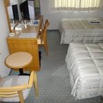 サウスブリーズホテル - 「B館 『旧館』 7F ゲストルーム ツイン」 旧館だが、清掃が行き届いている為 快適至極!2014年2月