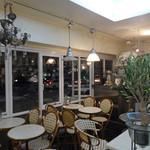 カフェ ド フォブ - F.O.B. のカフェ @7pm
