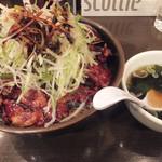 帯広亭 - 豚丼(大) 豚肉増量+60グラム、トッピング:細切りネギ