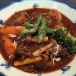24284337 - 1日限定15食のビーフシチュー(1,280円)煮込んだ牛肉の旨味とコクは絶品です