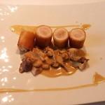 24284948 - 若鶏胸肉のクロスティアン キノコのフリカッセ添え ソース・シュープレーム