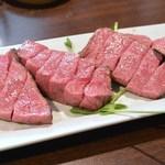肉山 - 熊本赤牛カメノコ